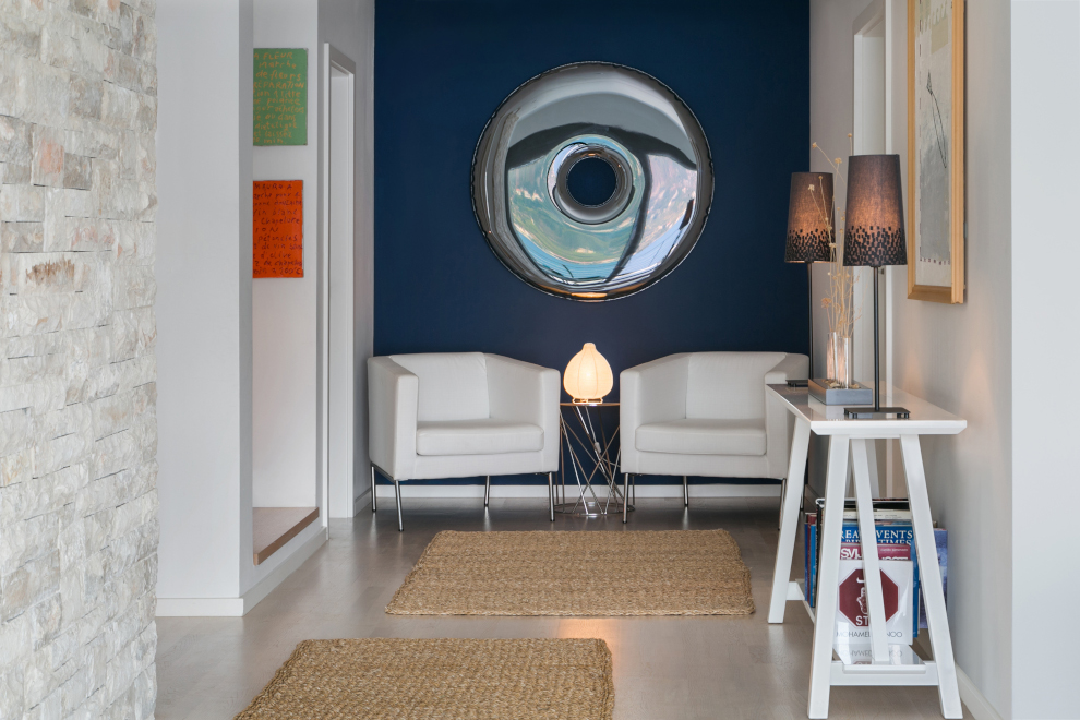 eye painting with chairs
