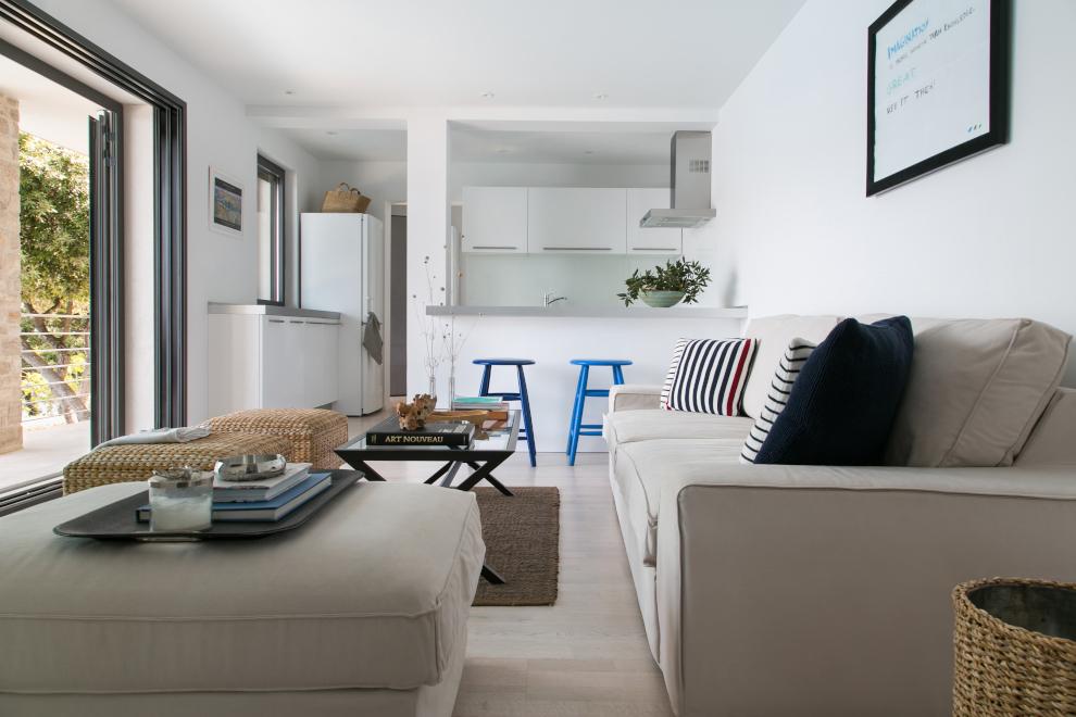 living room – kitchen