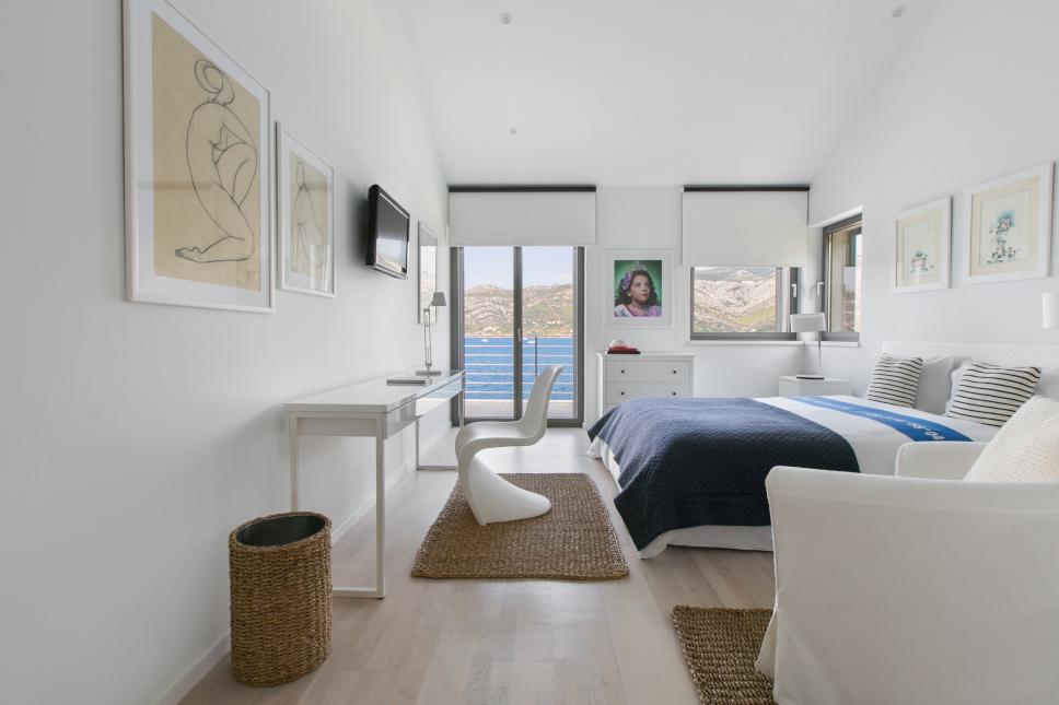 Wave & Wind House Bedroom 1